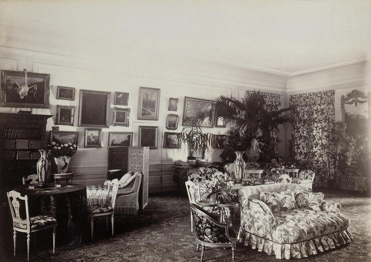 Гостиная на даче Дурново на Полюстровской набережной