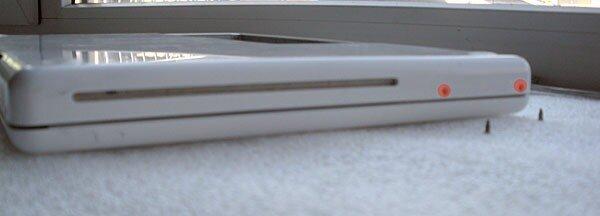 disassemble Apple macbook white