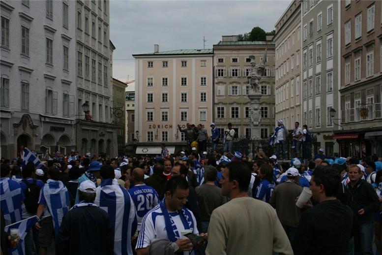 уличная мода футбольных болельщиков / Euro 2008 street fashion by korollleva