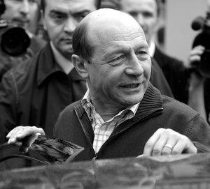 Траян Бэсеску просит молдавское гражданство