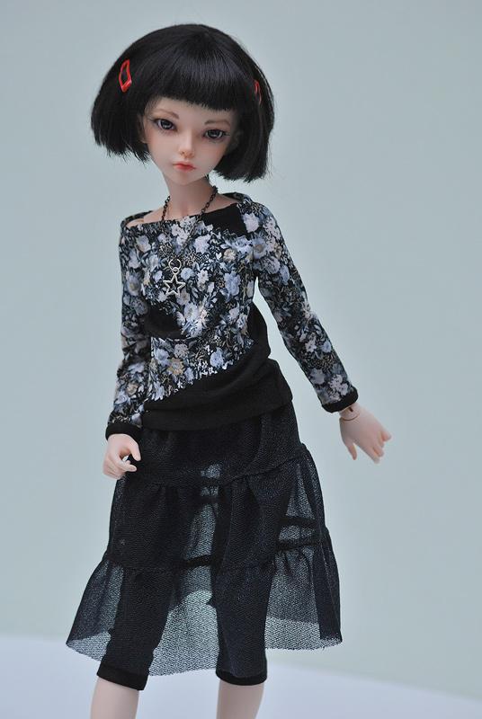 Black outfit foe minifee