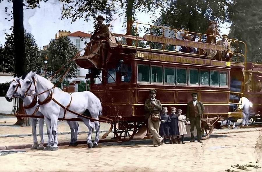 9 Omnibus hippomobile, vers 1900 (colorisation Paulo Menezes ).jpg