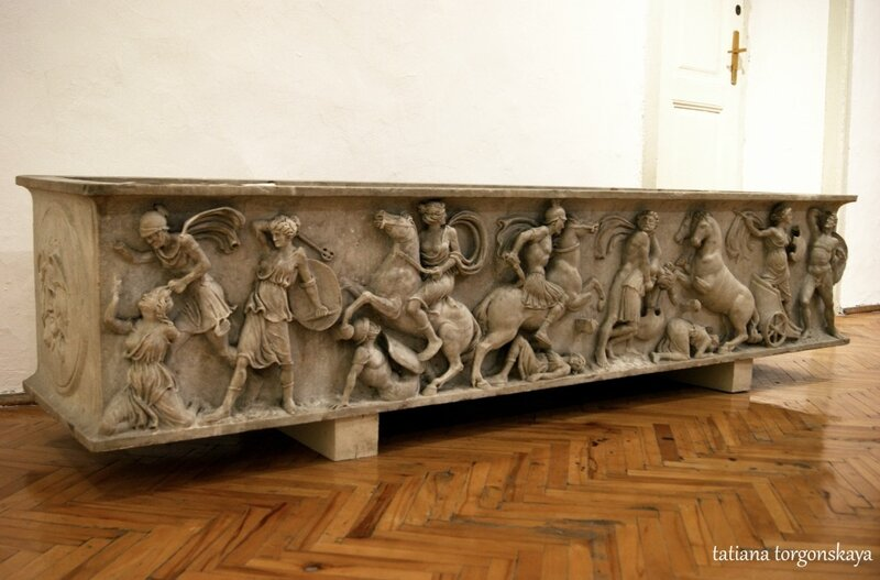 Мраморный саркофаг