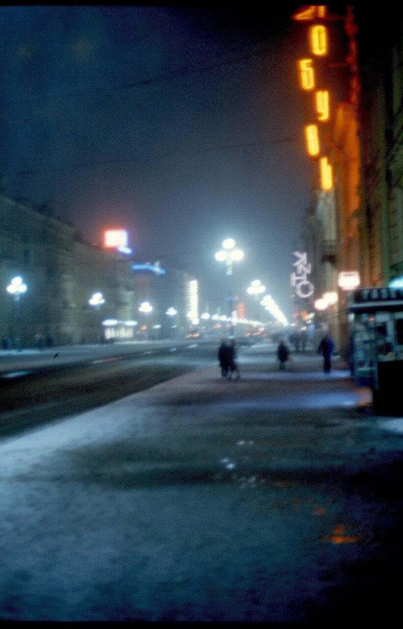 Ночью на Невском проспекте