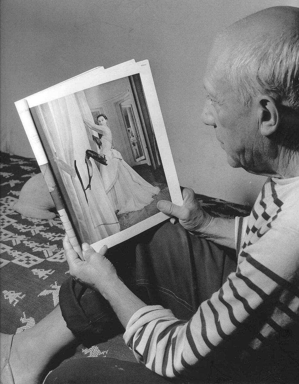 1952. Пабло Пикассо у себя дома в городе Валлорис