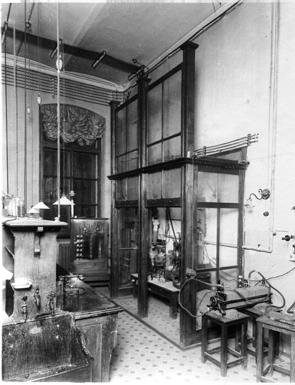 15. Вид лаборатории