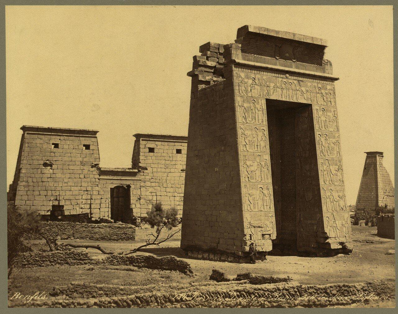 Карнак (Фивы). Храм Рамсеса IV Два пилона. 1867