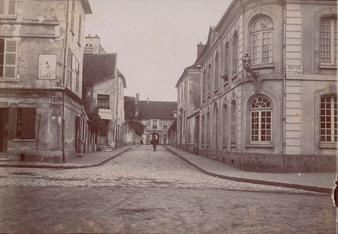 Деревня между Жуар и Ольнуа