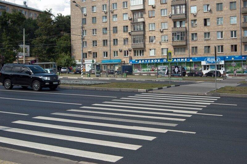 3. Ленинский проспект поражает количеством, при разрешенной скорости 80 км, 5 переходов.