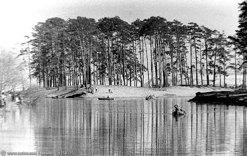 Озеро Бездонное в Серебряном бору 5.jpg
