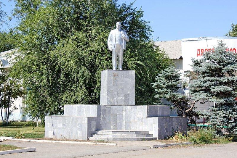 памятник Ленину Зимовники (Зимовниковский район) Фото Планета