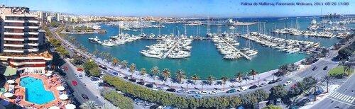 Панорама бухты в Пальма де Майорка (Испания)