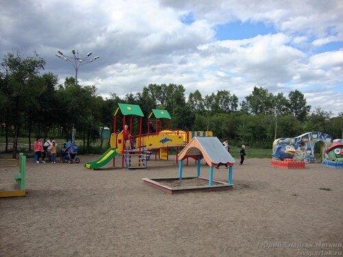 20110821 - Парк в МПС08