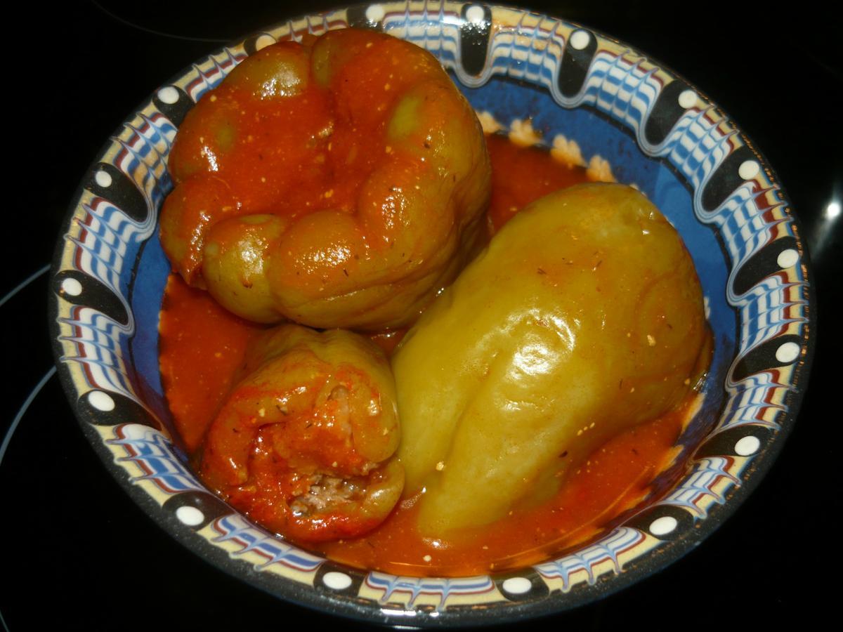 фаршированный перец в томатном соке