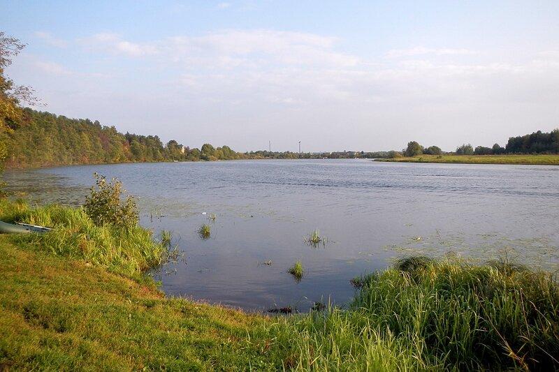 озеро Холуново и вейкбордистский комплекс
