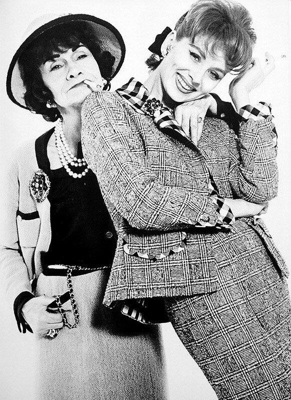 Шанель с одним из своих многочисленных друзей - Сальвадором Дали.