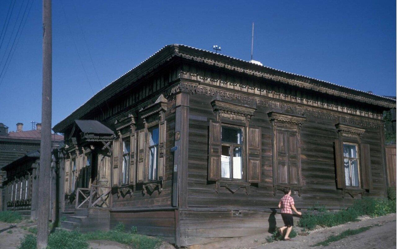 Старые дома в районе улицы Тимирязева