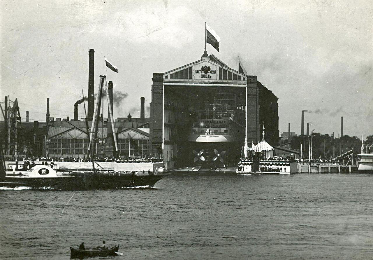 09. Спуск корабля со стапелей Балтийского судостроительного и механического завода