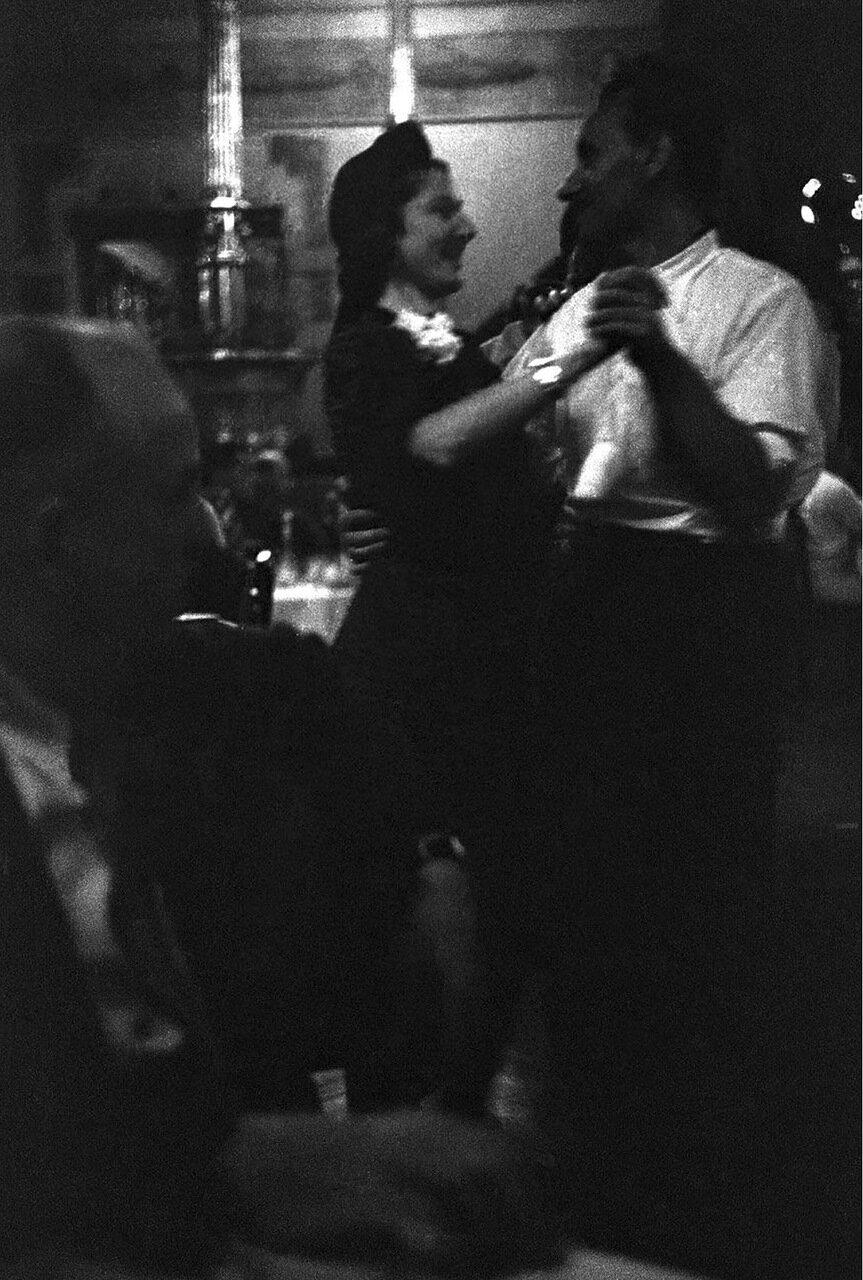23. Метрополь. Танцующие пары в ресторане гостиницы