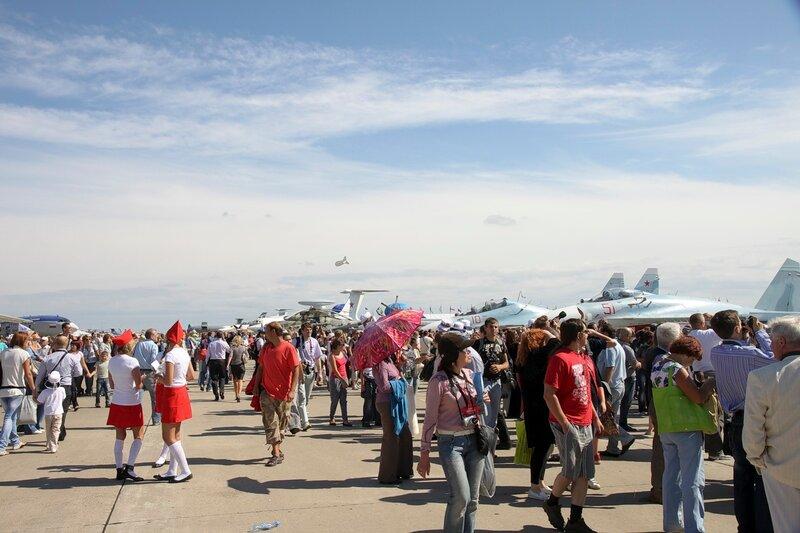 MAKS-2011 - авиакосмический салон - общий вид