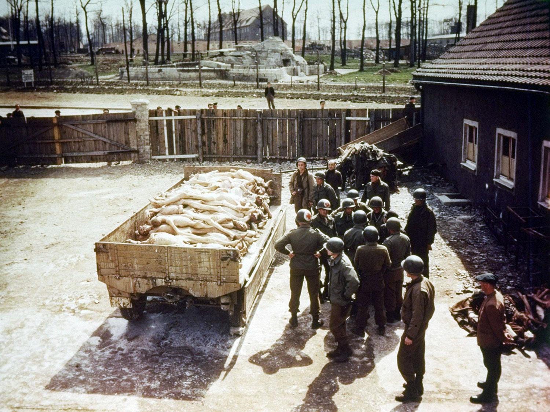 Что происходило при освобождении концлагерей. Австрия 1945 г. holokost-vtoraia-mirovaia-voina-27.jpg