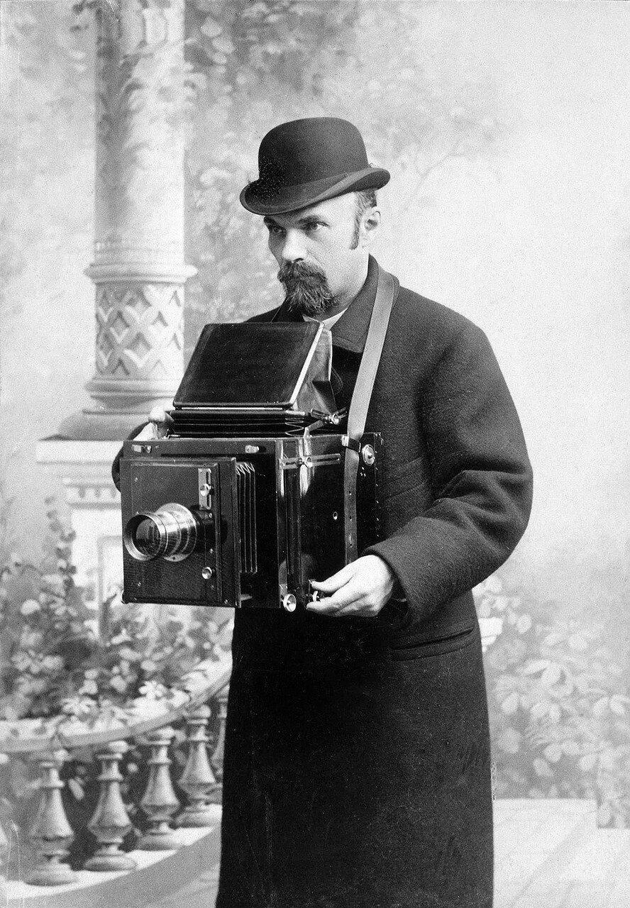 когда появились первые фотографии в россии клумба может быть