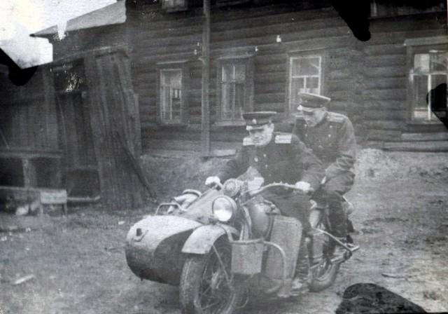 Мотоцикл – главный транспорт советского милиционера как до войны, так и после Тяготы и лишения