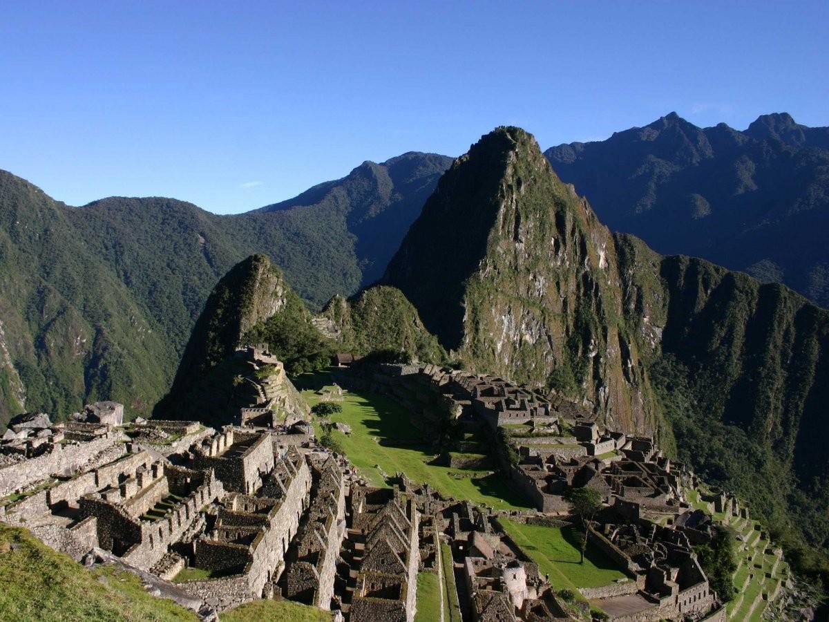50. Вскарабкайтесь на вершину Уайна-Пикчу, чтобы посмотреть на Мачу-Пикчу с высоты птичьего полета.
