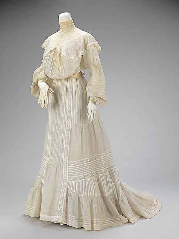 24. 1903 г. Все слои свадебного наряда.