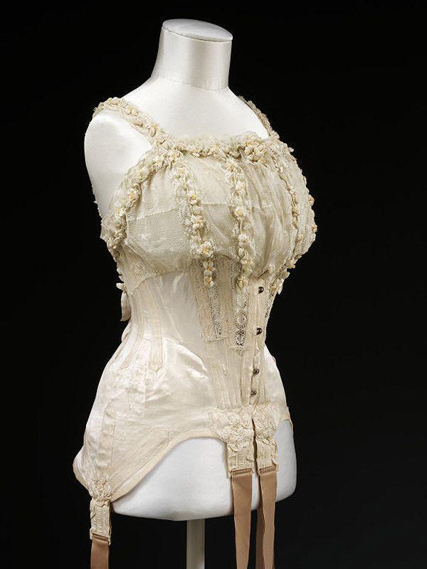 30. 1905 г. Англия. Свадебный корсет.