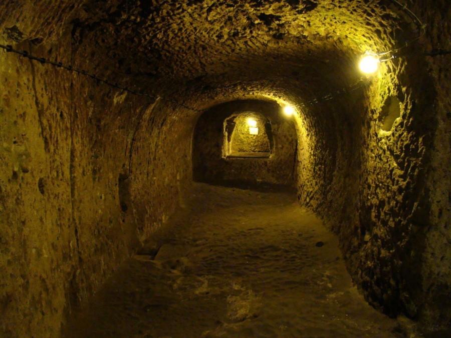 4. Есть предположение, что город уходит гораздо глубже под землю.
