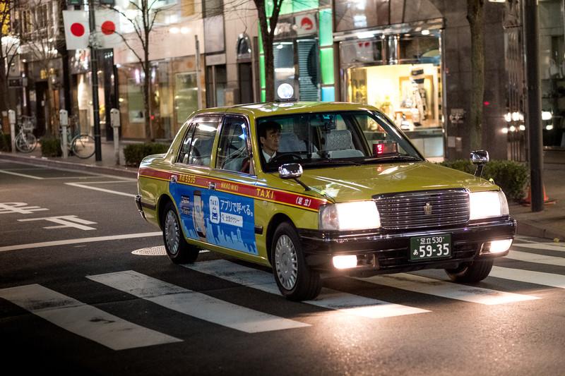 На перекрёстках одного только Токио установлено более 15 тысяч светофоров! Это при общей протяжённос