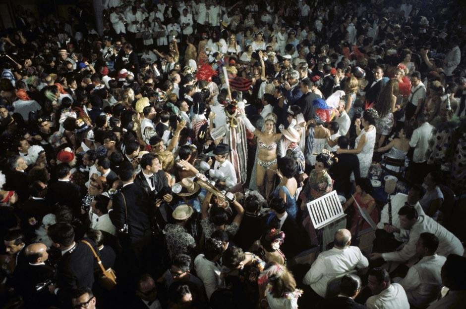 1964-й год невозможно представить без Токийской олимпиады. Это было не просто крупное спортивно
