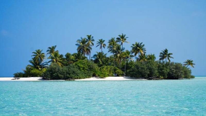 Мальдивы состоят приблизительно из 1190 коралловых островов. Примерно около 200 из них населяют маль