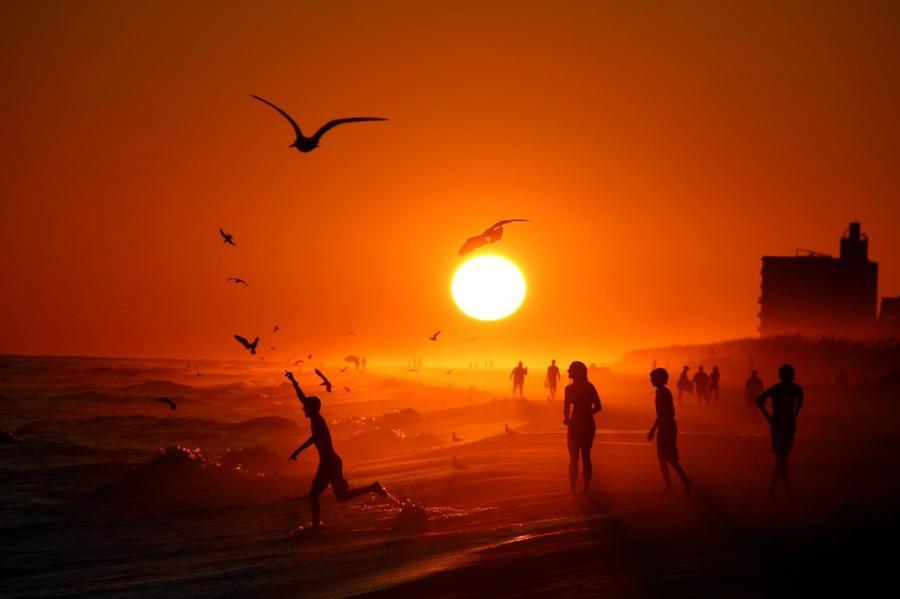 5. Закат на пляже в Пенсаколе, США.