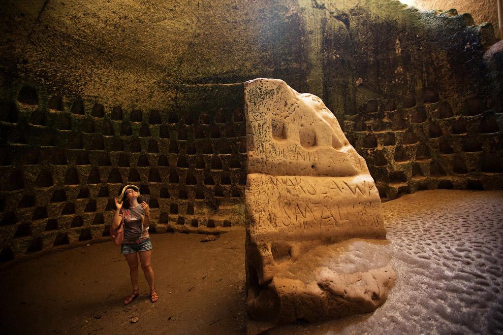 19. Эта соляная шахта в Колумбии, находящаяся на 80-метровой глубине, имеет 500-летнюю историю.
