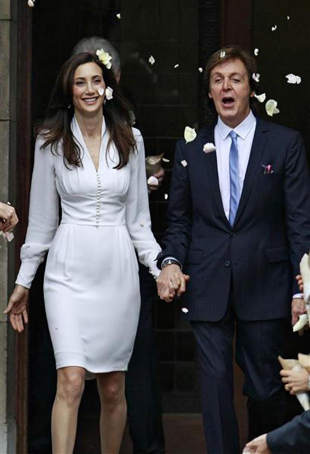 8 октября 2011 года, после 4 лет отношений Пол женился на Нэнси Шевелл. Они обвенчались в мэрии Лонд