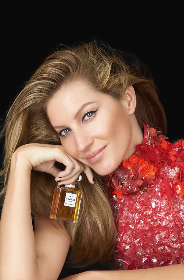 Gisele Bundchen for Chanel N?5 Holiday 2015