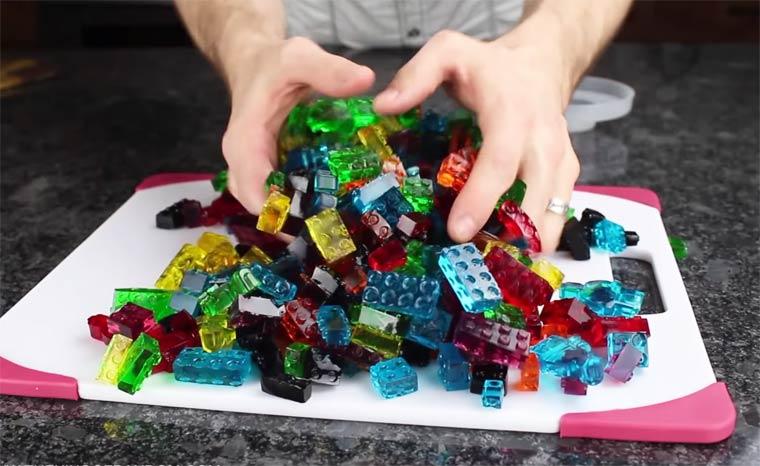 Making edible and yummy LEGO bricks