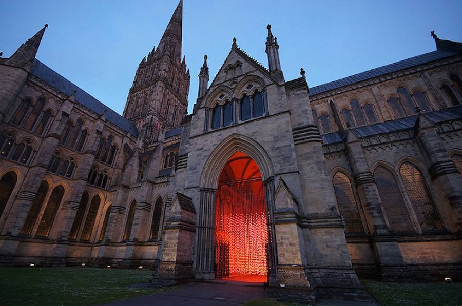 Immersive Art Installations in Salisbury Cathedral (9 pics)
