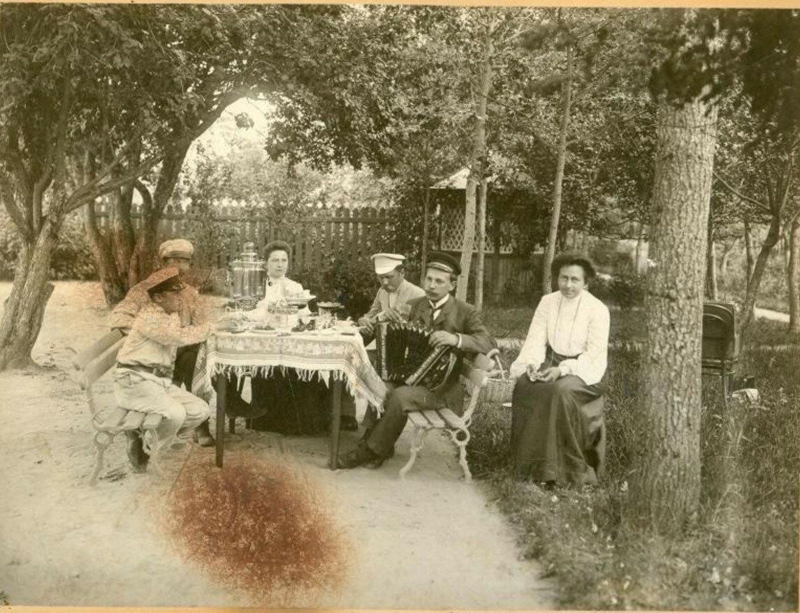 1910-е. На даче