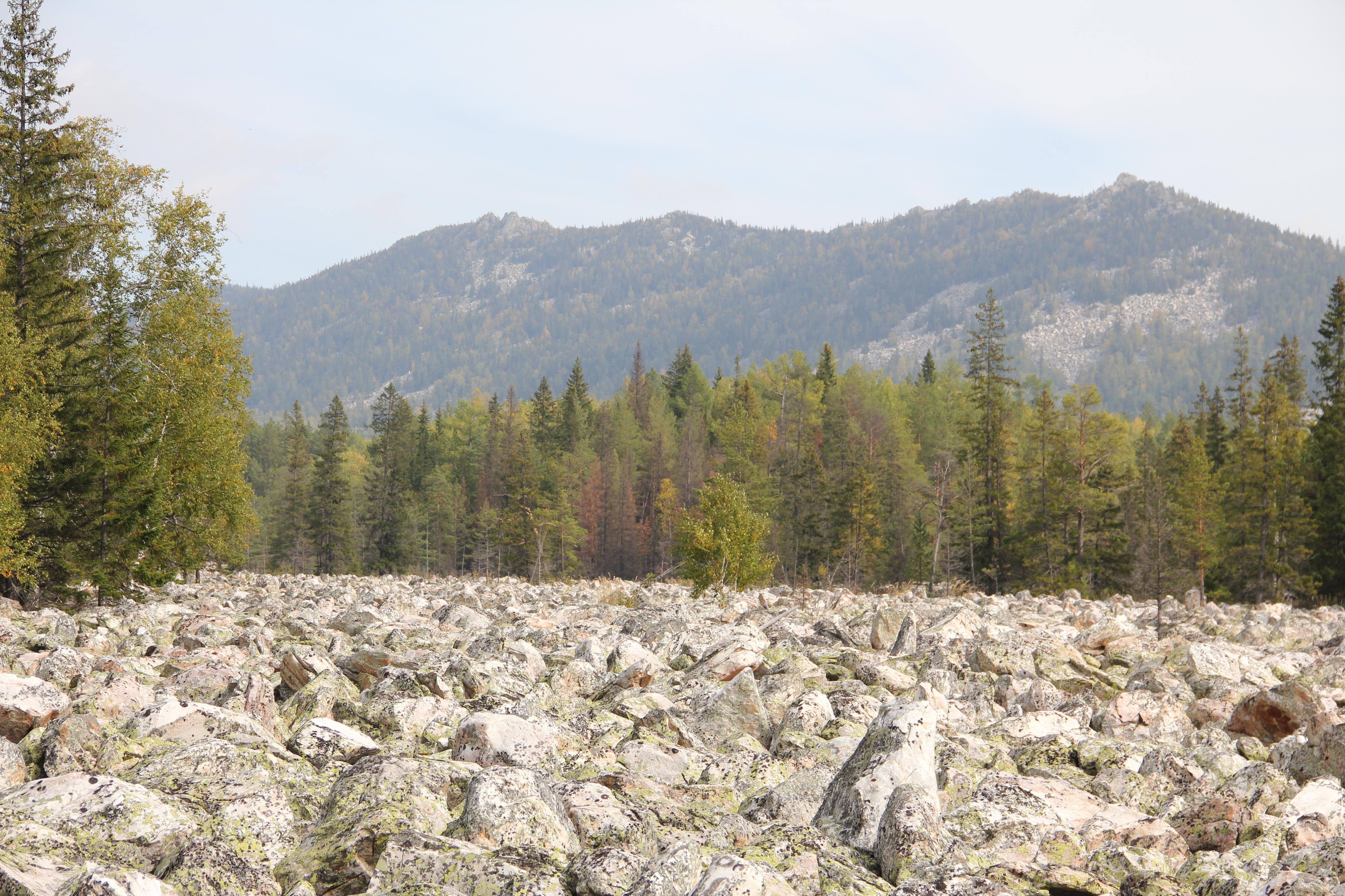 Хребет Средний Таганай над Большой Каменной рекой (30.09.2014)