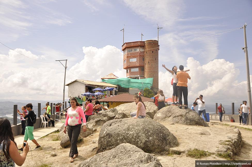 0 151eb9 b8c8b3be orig День 178 180. Окрестности Медельина: город Гуатапе и достопримечательность Пеньон де Гуатапе