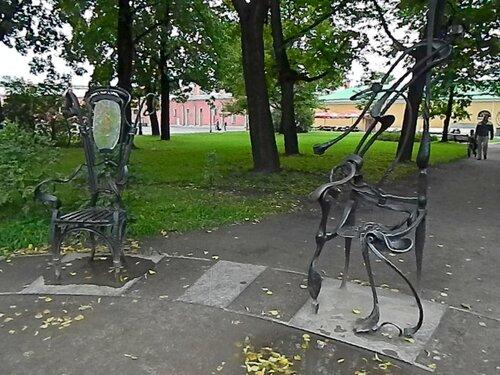 """Кованая композиция """"12 стульев"""""""