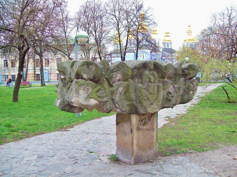 Скульптура на Владимирской горке
