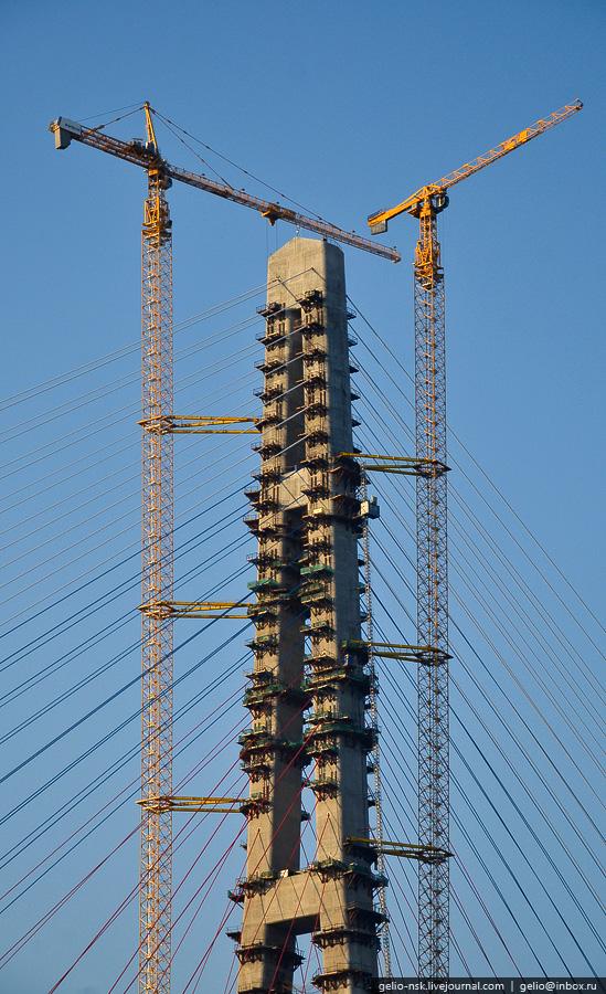 Мост на остров Русский во Владивостоке (Апрель 2012)