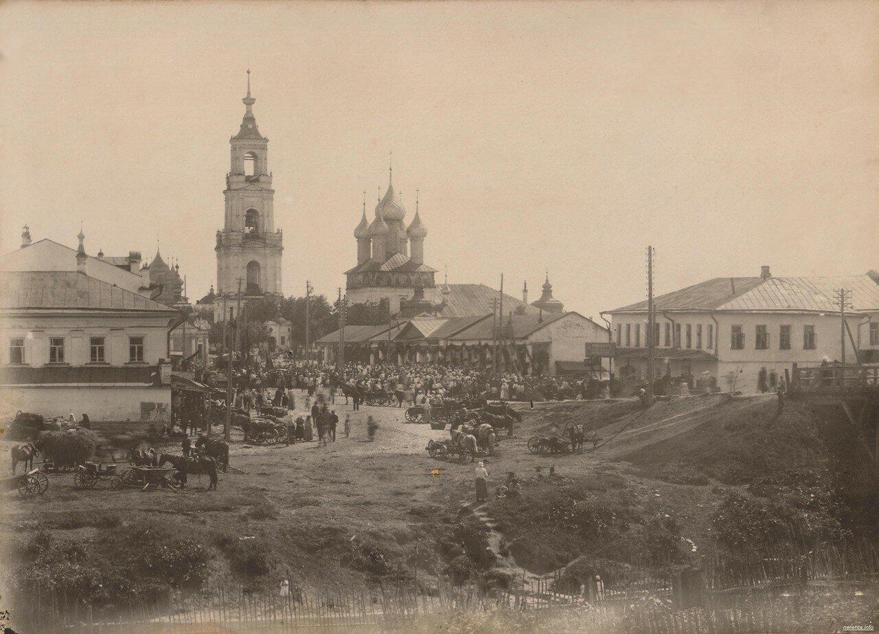 Базарная площадь и торговые ряды