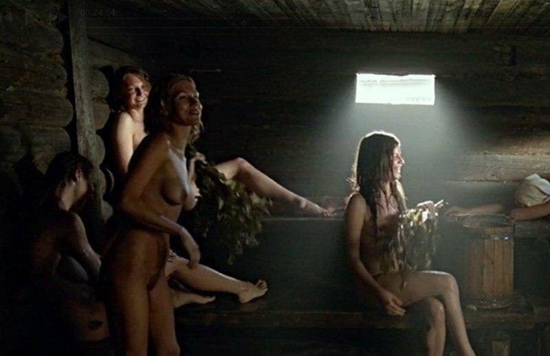 kto-snimalsya-golim-v-rossiyskih-filmah-gornichnuyu-porno-trahnuli