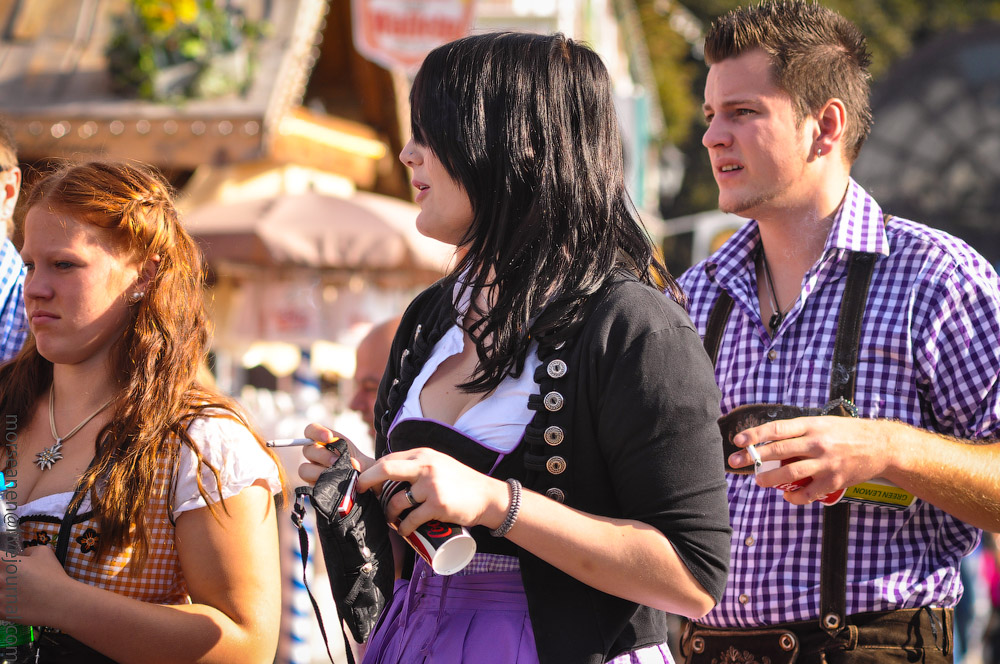 girls-Oktoberfest-(35).jpg