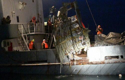 """Катастрофа Ту-154: со дна моря поднят ещё один """"чёрный ящик"""""""